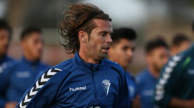 David Sánchez, en su primer entrenamiento con el Cádiz CF.