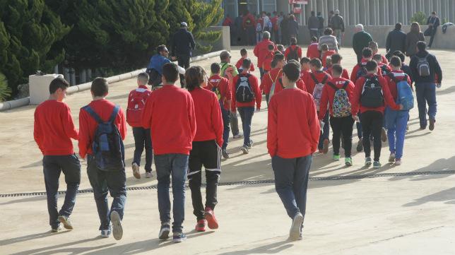 José Amaya acude a Sevilla una vez a la semana para entrenar con la cantera hispalense.