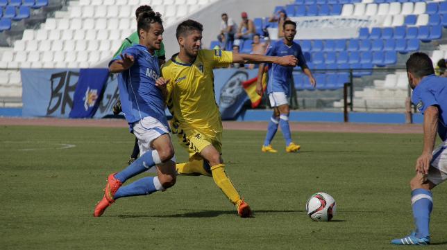 Fran Machado, en el partido de la primera vuelta ante el Melilla.