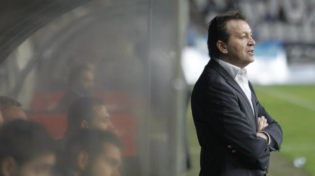José Carlos Granero, ex del Oviedo, es ahora entrenador del Melilla.