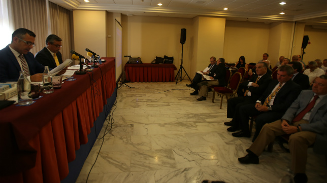 Imagen de una junta de accionistas del Cádiz CF.