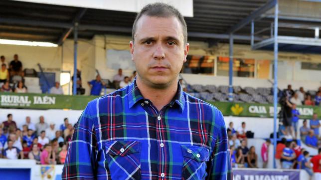 Alberto Lasarte es el director deportivo del Linares.