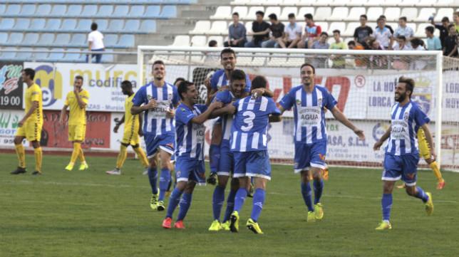 La Hoya Lorca juega hoy ante el Cartagena de Alberto Monteagudo.