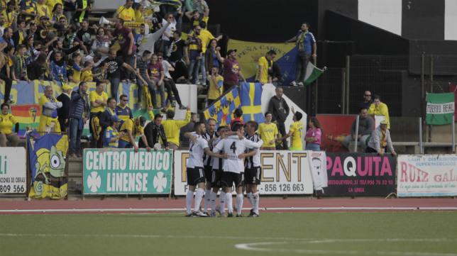 La Balona celebra el gol del empate.