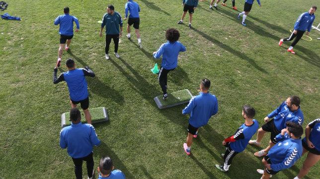 Imagen de un entrenamiento del Cádiz CF en El Rosal