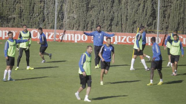 El Cádiz CF busca la victoria hoy en Carranza.