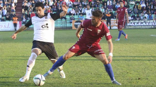 Mérida y Cádiz CF empataron en el estadio Romano.