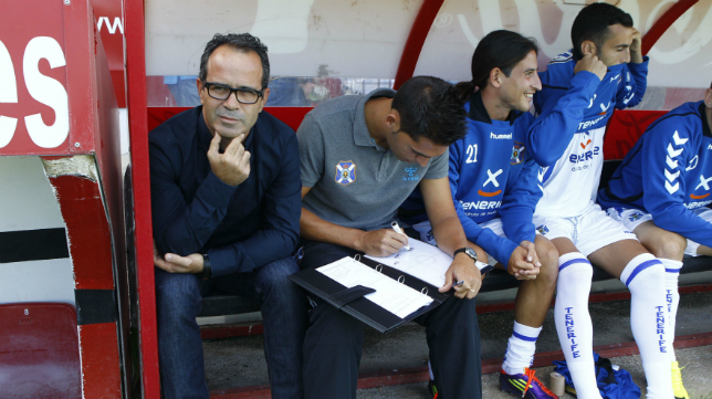 Álvaro Cervera en su etapa como entrenador del Tenerife