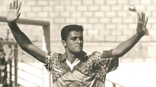 Kiko, con la camiseta del Cádiz CF