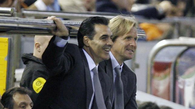 Manolo Ruiz junto a Schuster en su periplo en el Real Madrid.