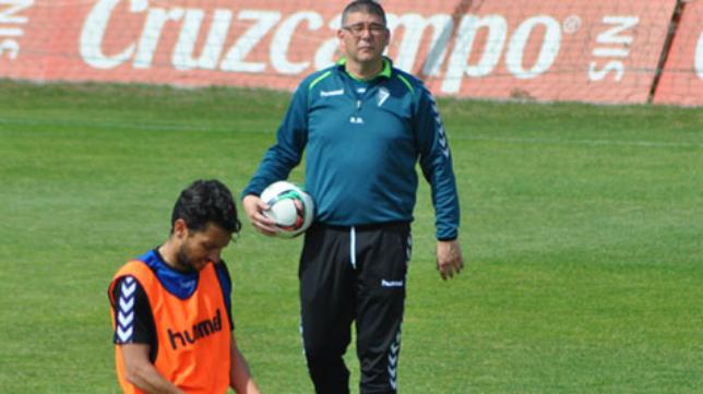 Javi Manzano en un entrenamiento del Cádiz CF