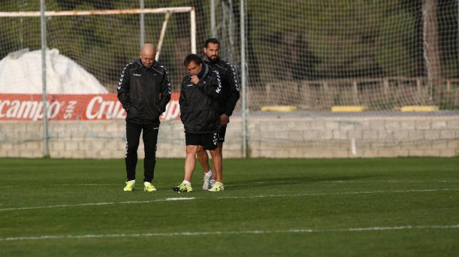Alfredo, junto a Claudio, en un entrenamiento del Cádiz CF.