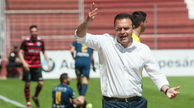 José María Salmerón, ya es ex entrenador del UCAM.