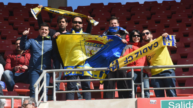 Aficionados del Cádiz CF en el desplazamiento a Murcia.