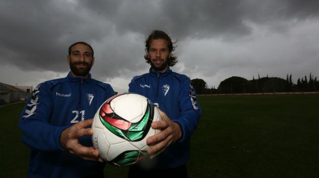Juanjo y David Sánchez, posando para Canal Amarillo antes del 'play off' de ascenso, confiados en sacarse la espina.