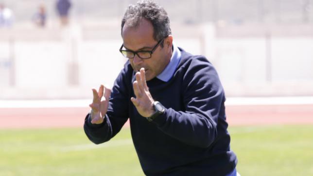 El entrenador Álvaro Cervera ya trabaja en la pretemporada del nuevo Cádiz CF