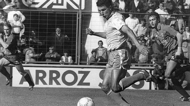 José Manuel Barla, en un partido de aquella temporada, marcó el gol ante el Racing en el Sardinero.