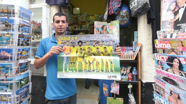 El póster del Cádiz CF, a doble página.