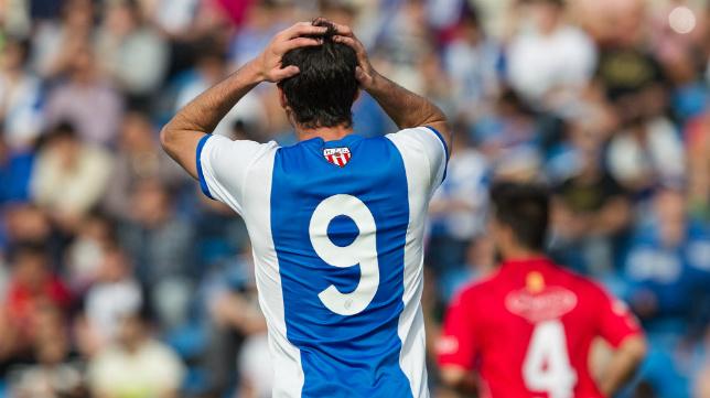 El delantero David Mainz se perdería la final de Alicante si ve una amarilla en Carranza.