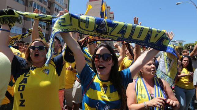 La afición del Cádiz CF se ha ilusionado con su equipo.