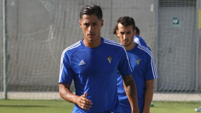 La salida de Hugo Rodríguez del Cádiz CF ya es una realidad