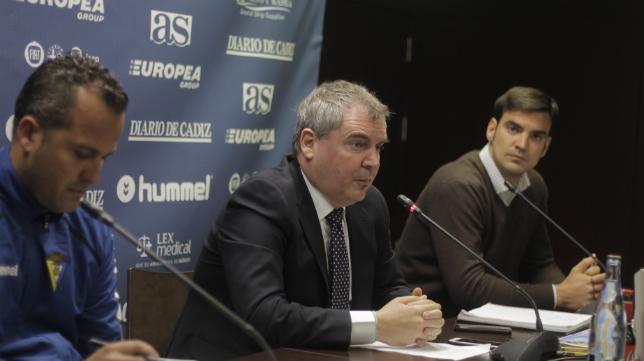 Manuel Vizcaíno, durante una conferencia de prensa.