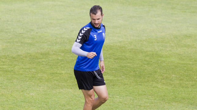 Xavi Carmona, en un entrenamiento con el Cádiz CF.