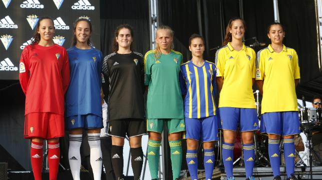 El Cádiz CF presentó este viernes sus nuevas equipaciones
