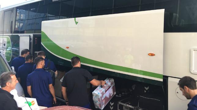 El autobús ha partido hace unos minutos con rumbo a Mijas.