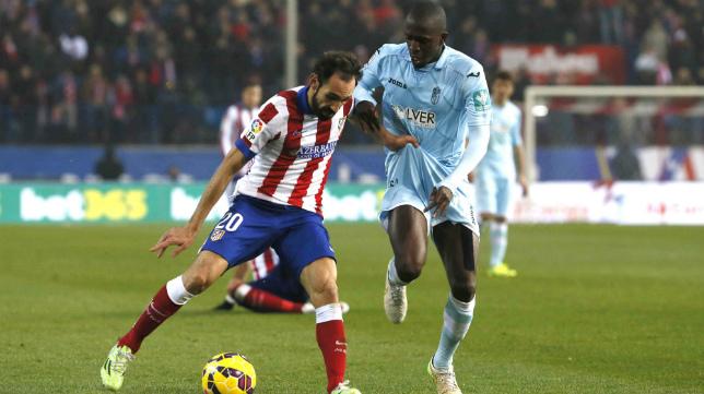 Sissoko en un partido con el Granada