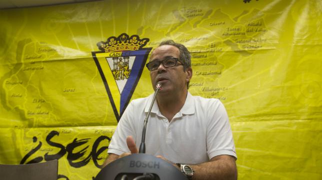 Álvaro Cervera en rueda de prensa