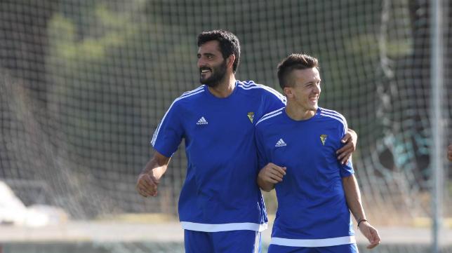 Güiza, en un entrenamiento junto a Salvi la temporada pasada.