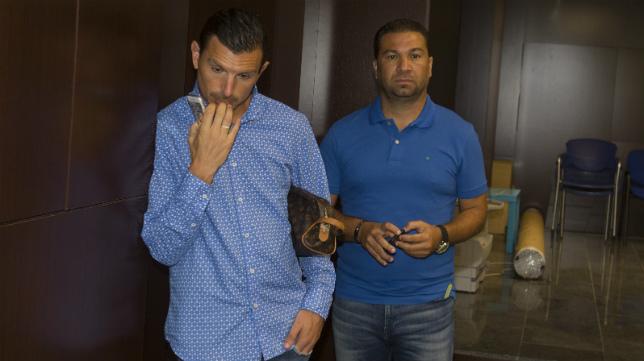 Buitrago y Cordero, en la sala de prensa de Carranza.