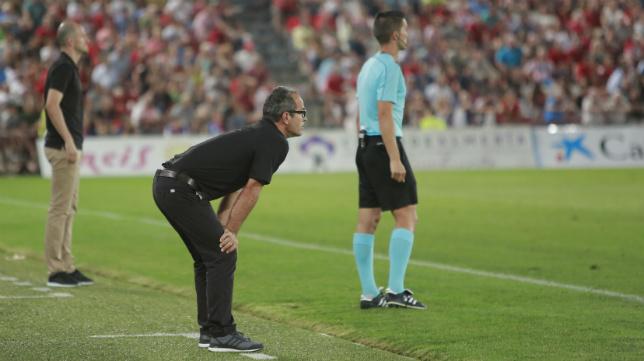 Cervera, en un momento del partido ante el Almería.