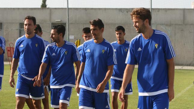 Los jugadores del Cádiz CF parten mañana hacia Almería.
