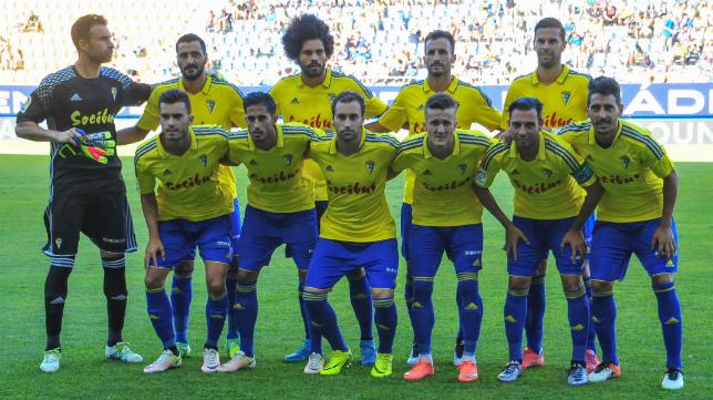 Este es el once inicial con el que el Cádiz CF jugó ante el Atlético de Madrid y que será la base del estreno liguero.