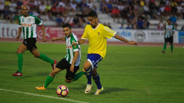 Cádiz CF y Atlético Sanluqueño se verán las caras durante la pretemporada.
