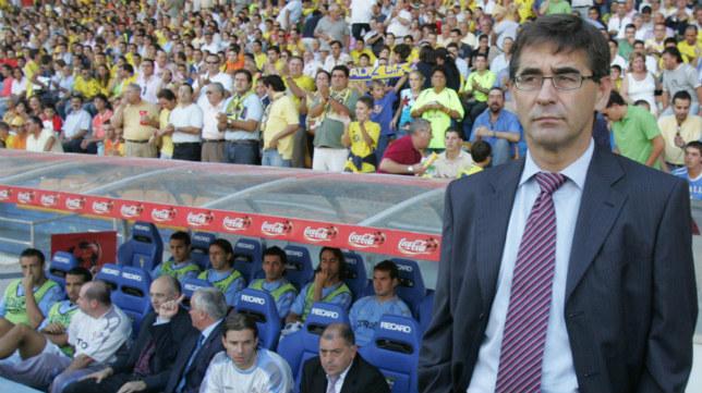Fernando Vázquez, en la temporada 2005/06, en Carranza como entrenador del Celta.