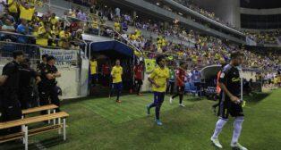 Cifuentes, Aridane y el resto del equipo cadista salta al campo