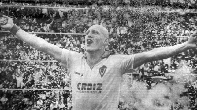 El mítico Dertycia fue el autor del gol de la última victoria del Cádiz CF al Mallorca en Carranza, en la 90-91.