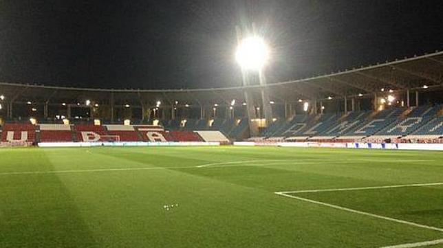 El Estadio de los Juegos Mediterráneos estrenará césped este domingo en el Almería-Cádiz CF.