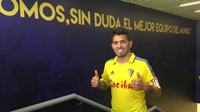 Gastón del Castillo, con la camiseta del Cádiz CF.