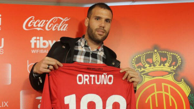 Alfredo Ortuño, en su presentación como jugador del Mallorca en el invierno pasado.