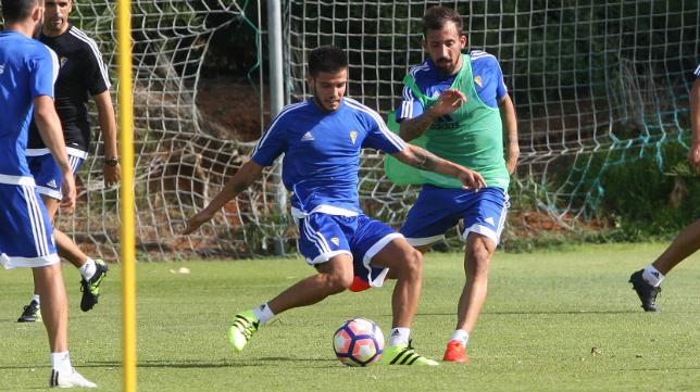 Alberto Quintana, en un entrenamiento este verano con el Cádiz CF.