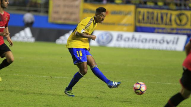 Eddy Silvestre no pudo ayudar a su selección nacional.