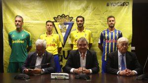 El Cádiz CF y Socibus presentaron su acuerdo de colaboración