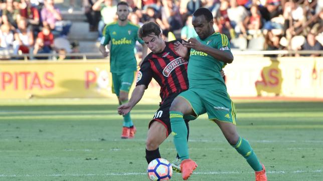 Abdullah ante el Reus en el partido de ida