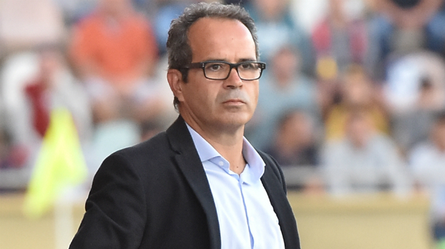 Álvaro Cervera durante un partido del Cádiz
