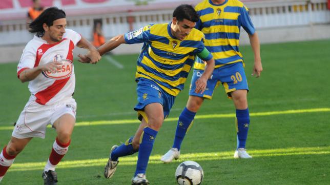 La última vez que Rayo y Cádiz CF y Rayo jugaron un partido oficial en Vallecas fue en la temporada 2009/10.