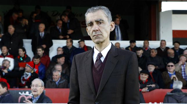 Carlos Terrazas, entrenador del CD Mirandés.